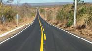 Barreiras: estrada de acesso ao aeroporto recebe melhorias
