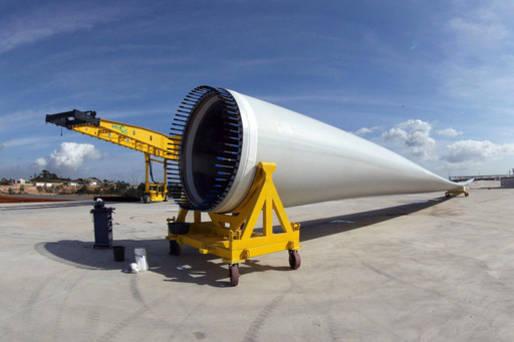 Fabricante de p�s para turbinas destinadas �s empresas do setor de energia e�lica, principalmente para a Gamesa e Acciona, que j� operam na Bahia.